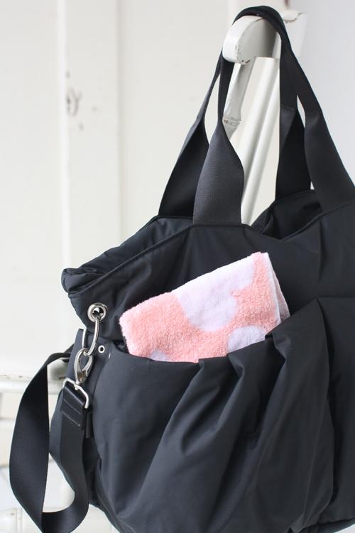 マザーズバッグとタオル