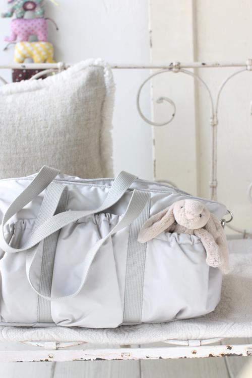 赤ちゃんに優しいマザーズバッグは、ママにも優しい
