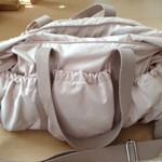 色もデザインもとても可愛いくてお気に入りです ルカルカ マザーズバッグ