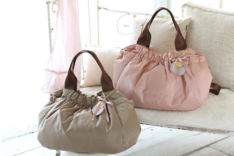 ナイロン製のマザーズバッグが、6月に発売になります