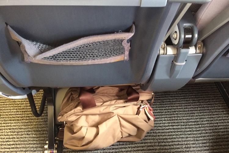 赤ちゃんと国内線の飛行機に乗る時の必要な荷物は?