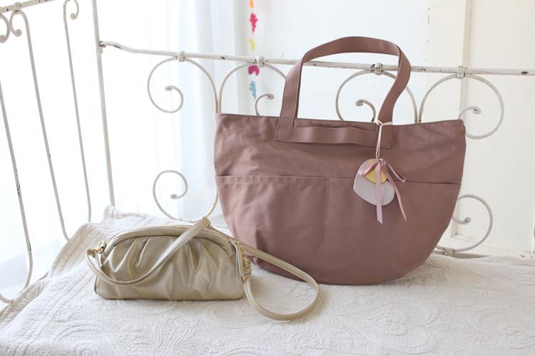 バッグを2個持ちして、お出かけしてみませんか♪