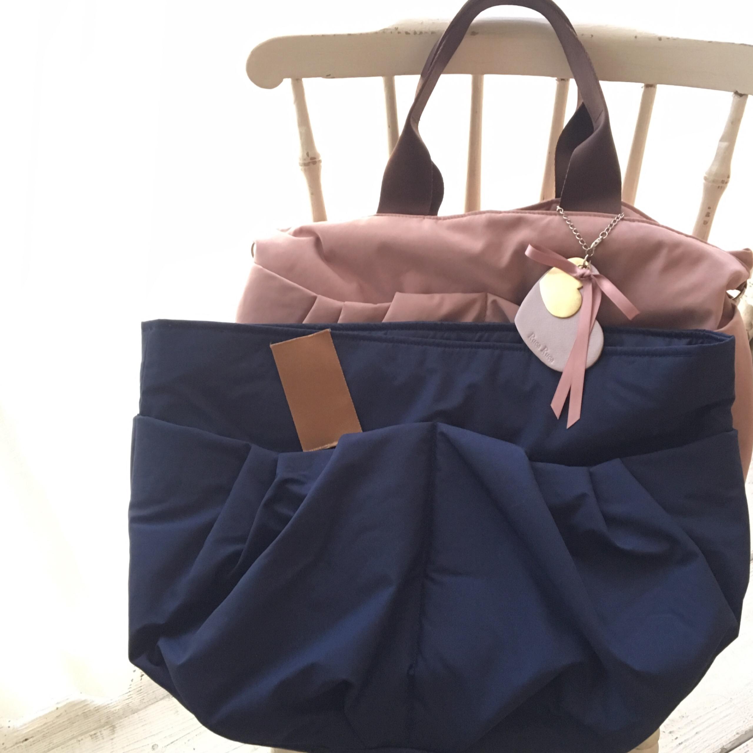 ネイビーカラーのママバッグ、持ち手の色が決まりました♪