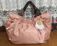 ピンクでも派手すぎず、お上品さを感じます ルカルカママバッグ