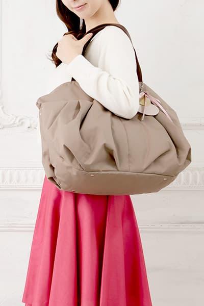 大人の女性に合う可愛らしさのマザーズバッグ ママリュック