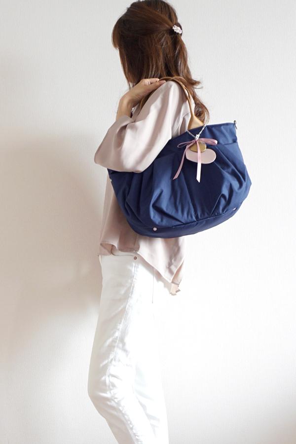 小さめで使いやすいママバッグ♪ マタニティや普段使いにも♡