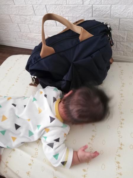 ちょっとした散歩や買い物時の小さめのママバッグ