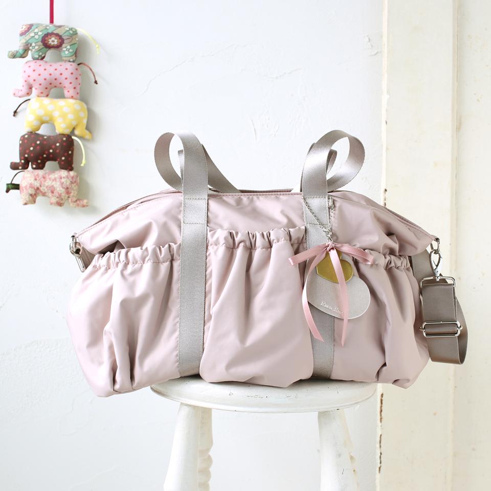 カジュアルに合う、双子さん、2人分でも大丈夫なピンクのマザーズバッグ