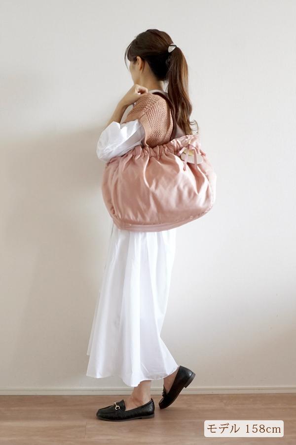 大人可愛いきれいめカジュアルにも合うマザーズバッグ(肩掛け)モデル身長158cm