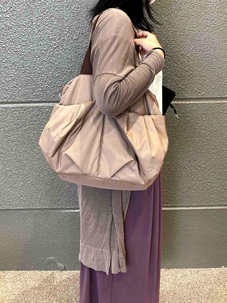 この大きさのママバッグでこんなに軽いのは初めてで、嬉しいです