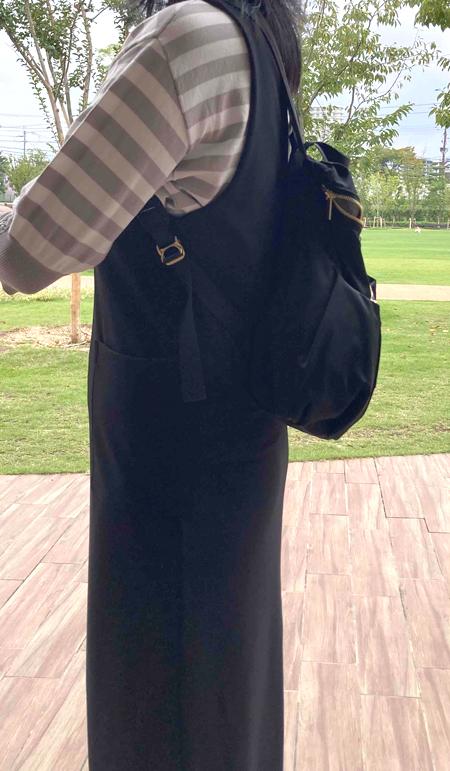 このママリュックはスカートやワンピースにも似合うので嬉しいです